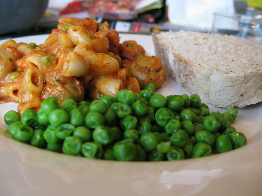 Vodka Pasta with Ham & Peas