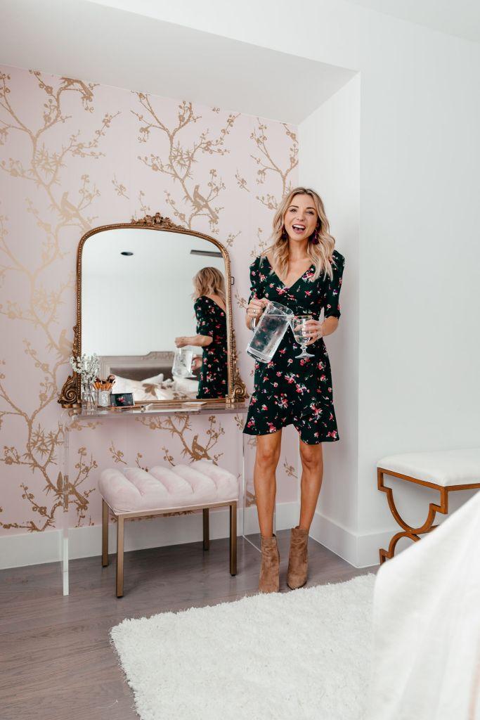 vanity nook bedroom