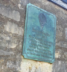 Oxford September 2019 plaque on Merton college wall which reads James Sadler 1753–1828 First English Aeronaut who in a fire balloon made a successful ascent from near this place — 4th October 1784 to land near Woodeaton