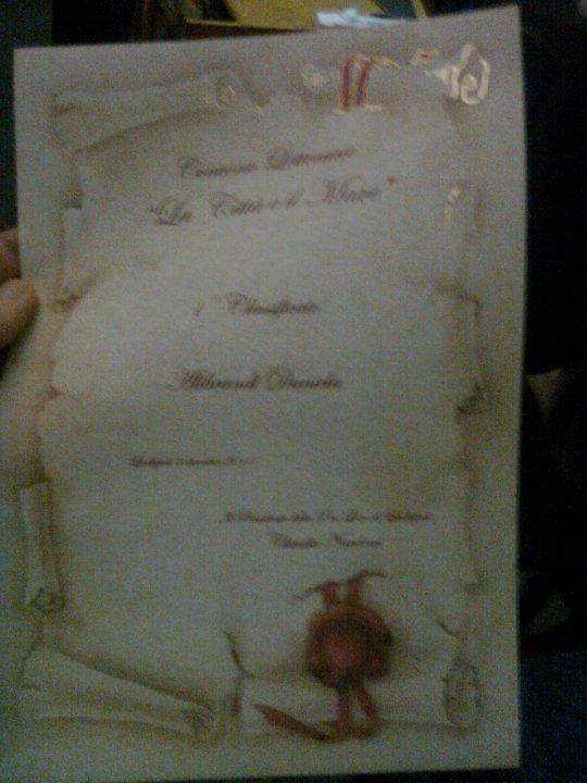 Ecco la pergamena che ho vinto insieme al contratto editoriale con Apollo edizioni, che pubblicherà nel giugno 2012 il mio thriller Il Bimbo di Rachele.