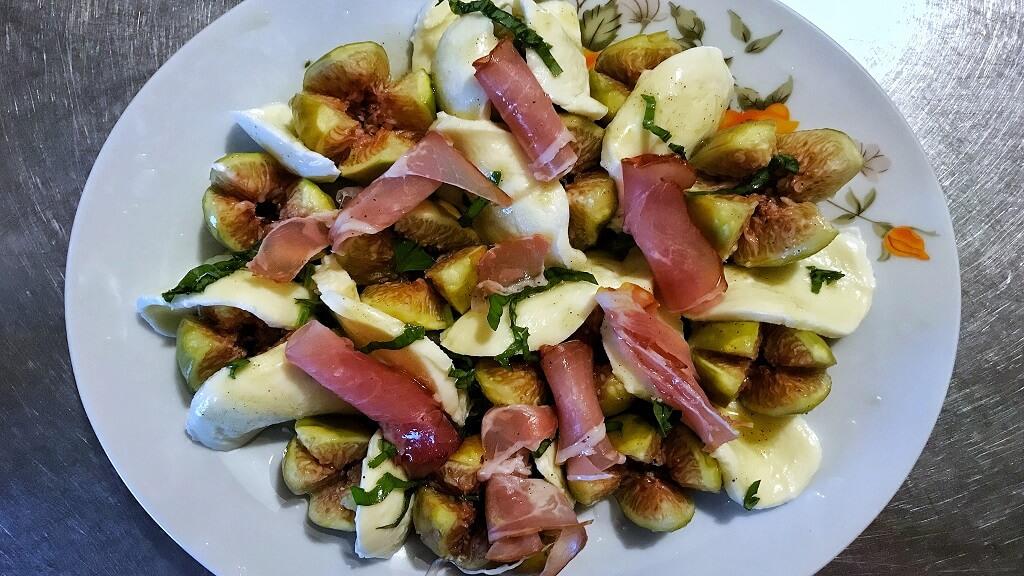 salată cu smochine