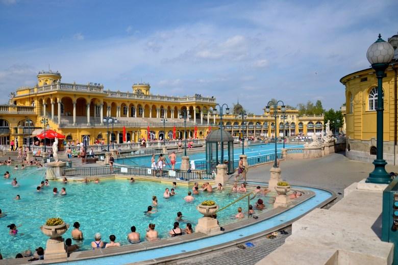 Banhos termais, budapeste, hungria, pontos turísticos