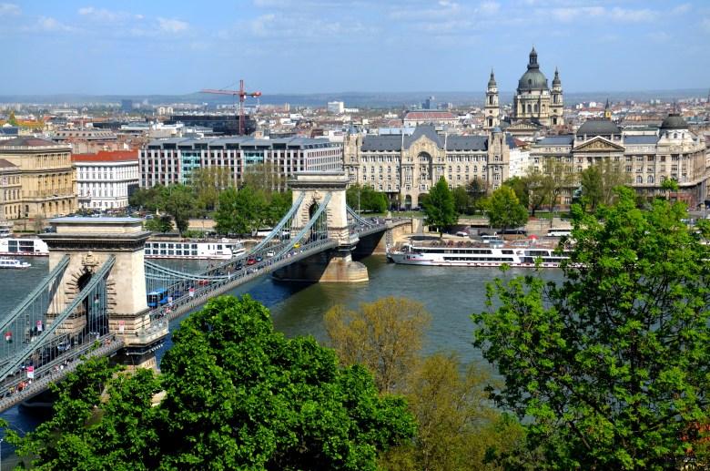 Chain Bridge - Ponte Széchenyi Lánchíd - Budapeste - Hungria - Pontos Turísticos