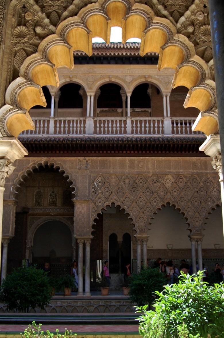 palácio real alcázar de sevilha - arquitetura - andaluzia - espanha