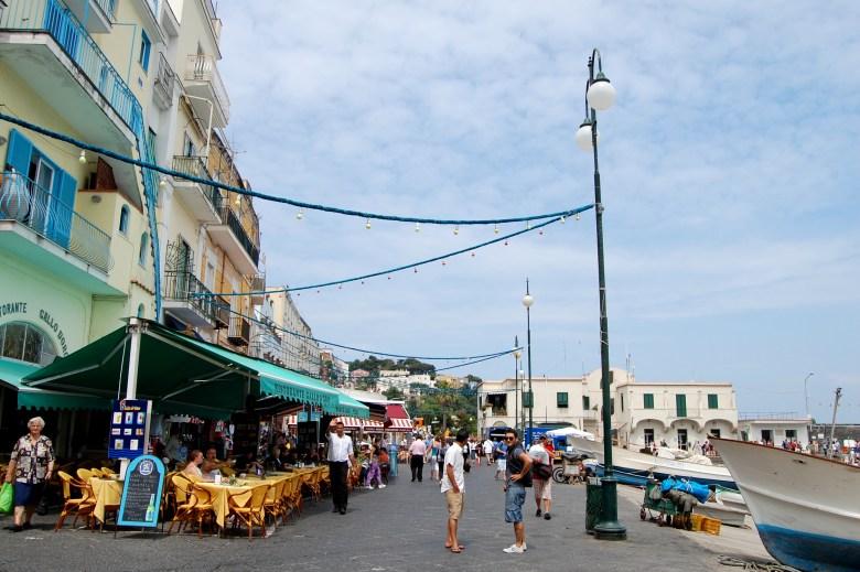 capri-costa-amalfitana-italia-turismo