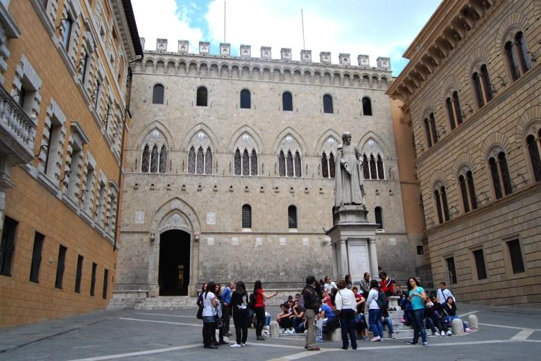 palazzo salimbeni - siena - toscana - itália - pontos turísticos