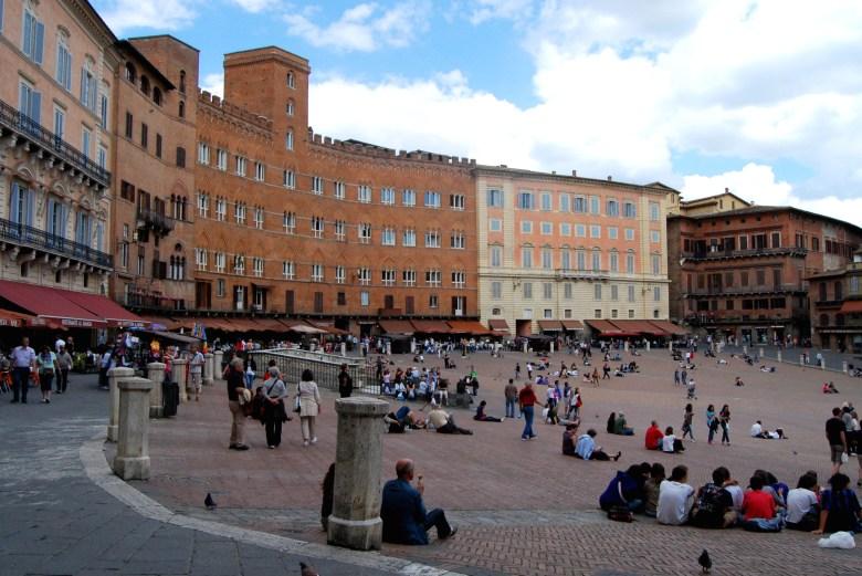 piazza del campo - roteiro em siena - pontos turísticos - itália