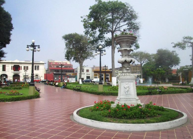 parque municipal - barranco - lima - peru - turismo