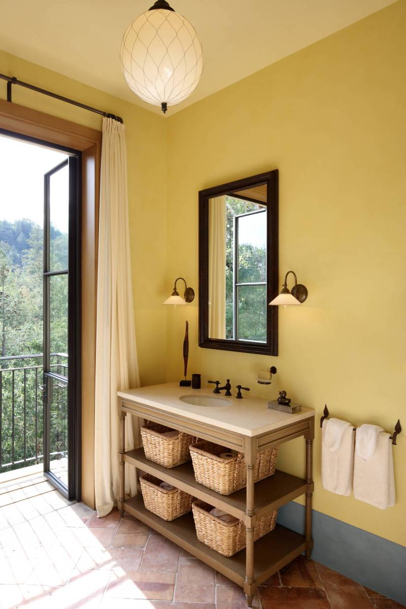 Spanish Colours - Mediterranean Bathroom