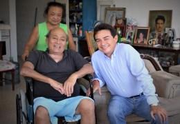 Entrega de silla de ruedas en Itzincab