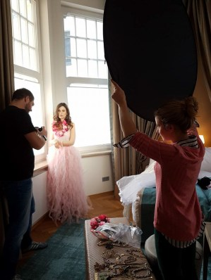 Making Of and Behind The Scenes of the amazing fashion / beauty / bodouir hotel shoot by Nathalie Schulz
