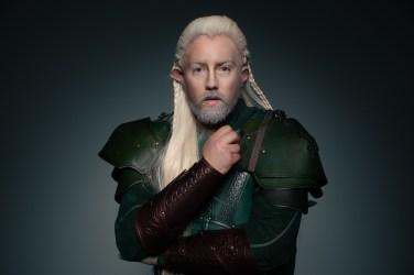 Robin Münch spielt den Elfen Spex
