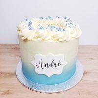 Gâteau d'anniversaire dégrader de bleu à la vanille - Birthday ombre cake blue and white.