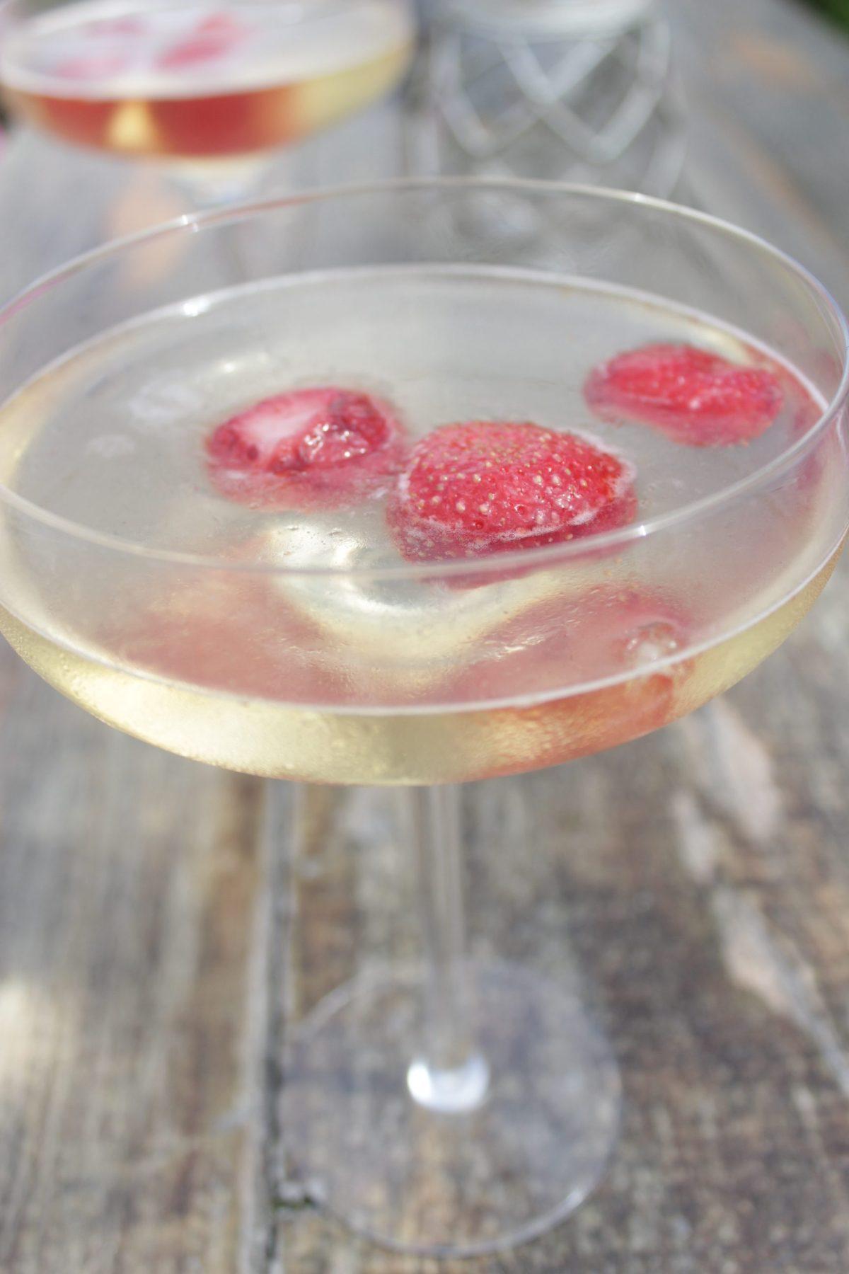 Strawberries in prosecco jelly