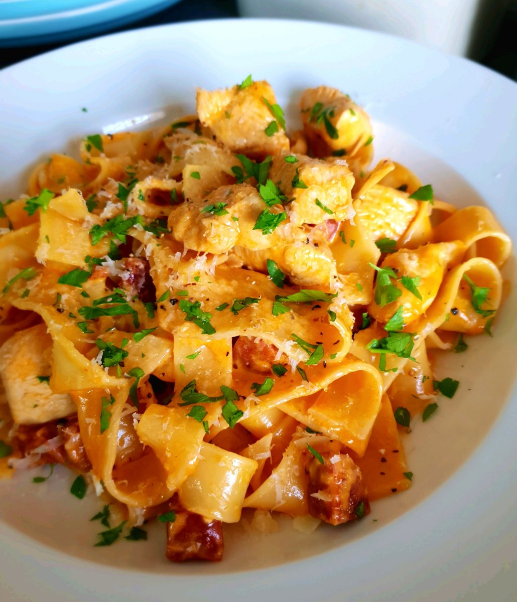 chicken and chorizo pasta