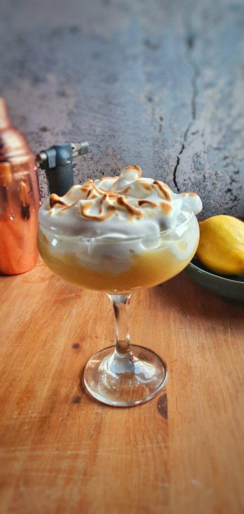 lemon meringue cocktail
