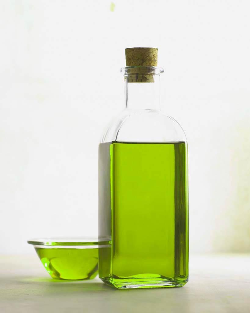 umectação com óleo de abacate