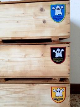 Daniel González_hand-made wood packaging_D.G. Clothes Project