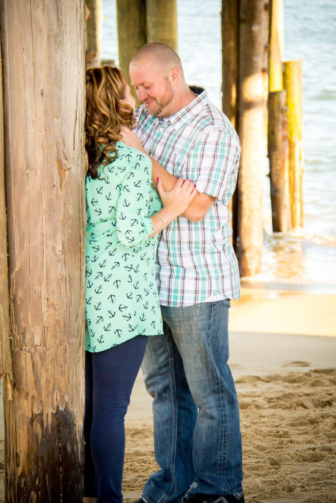 sam-heather-engagement-virginia-beach-nags-head-engagement-photography-photographer-wedding-love-sunset-spring-casual-fun-relaxed-together-ring-beautiful-vibrant-lush-full-black-white-32