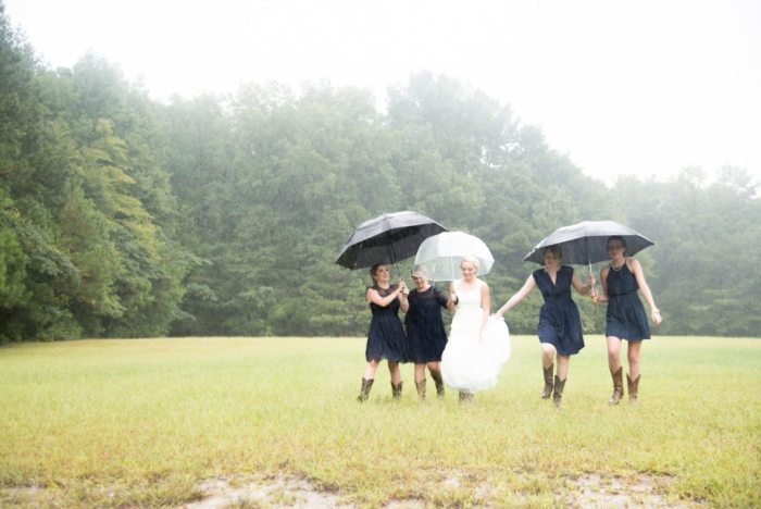 daniel-jackson-studios-chesapeake-virginia-sir-izaac-walton-park-rain-summer-indoor-wedding-21