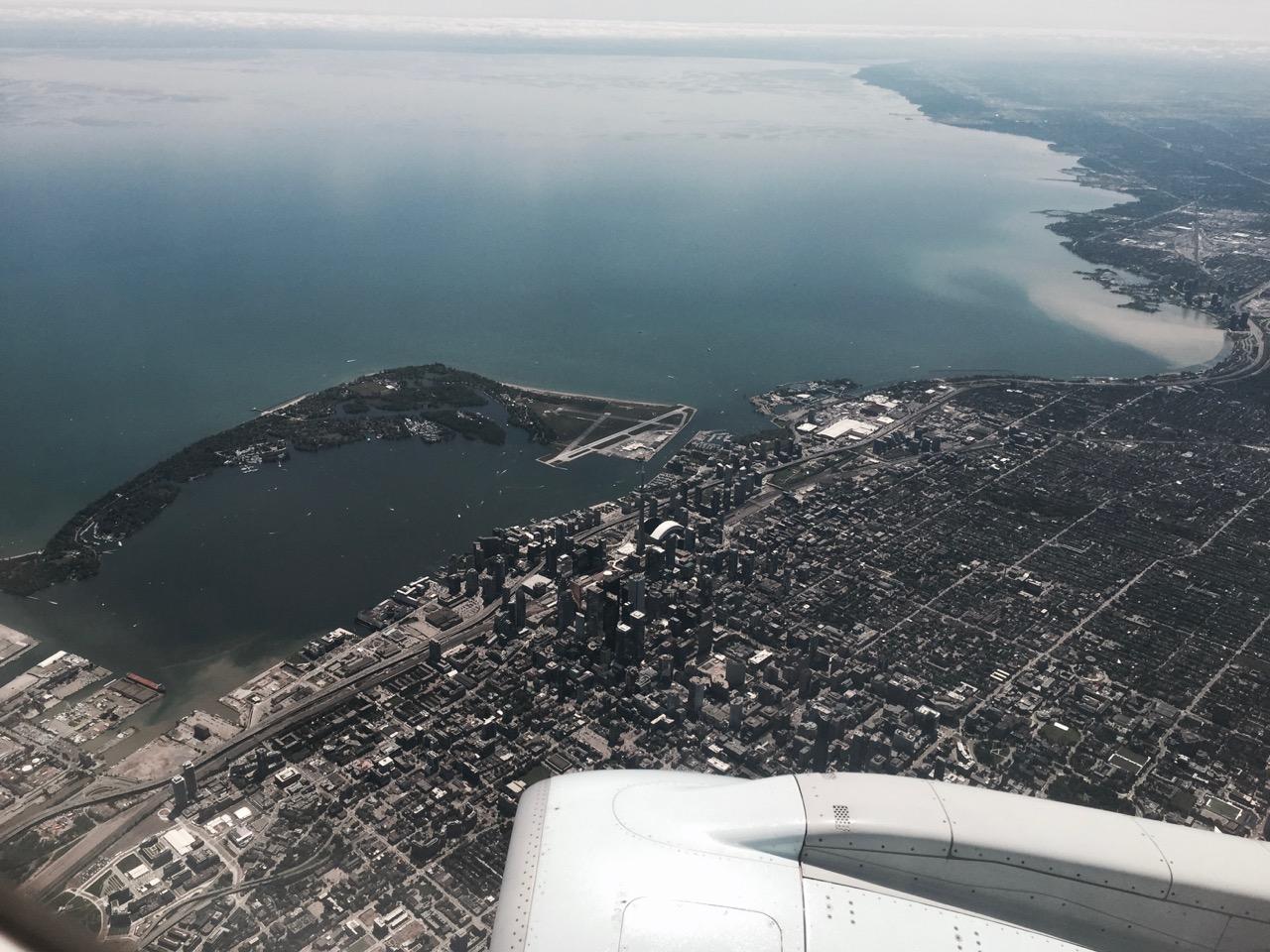 Flug Toronto