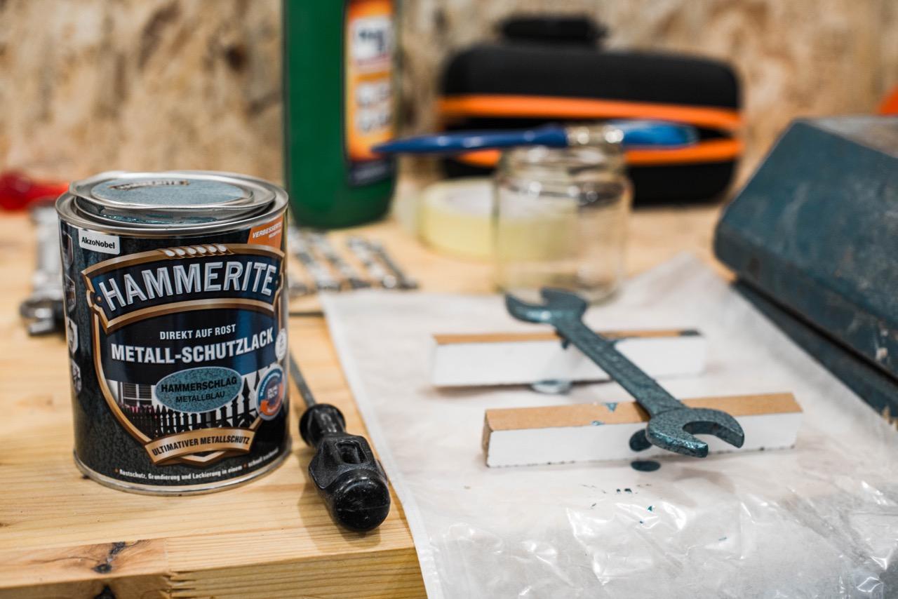 frischer Hammerschlaglack Hammerite