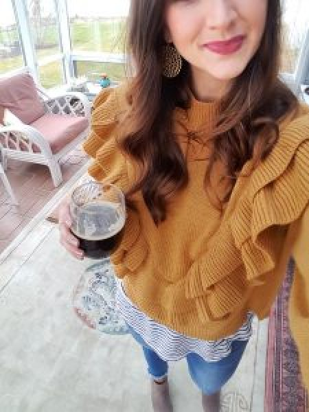 dark-beer-girl-fall-outfit