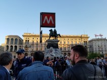 There was some sort of emergency at the subway on the Piazza del Duomo. The police didn't seem too concerned about all the people hanging around