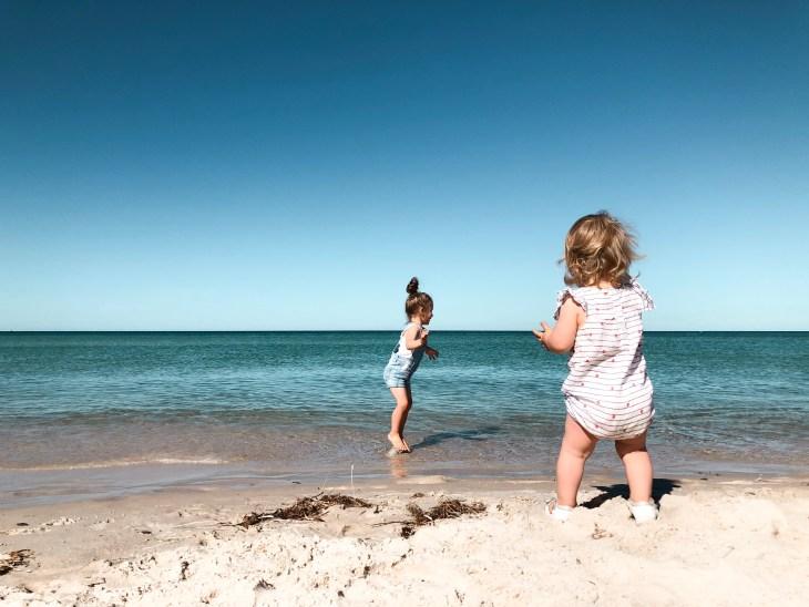adelaide airbnb getaway lifestyle blogger melbourne grange beach summertime