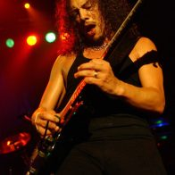 Kirk Hammett et Metallica en concert au Bataclan