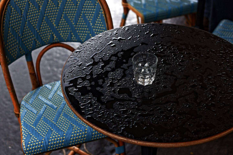 Paris table de bistrot