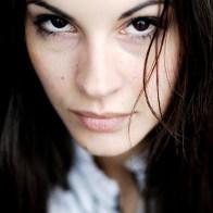 Portrait de la comédienne Alexandra Naoum