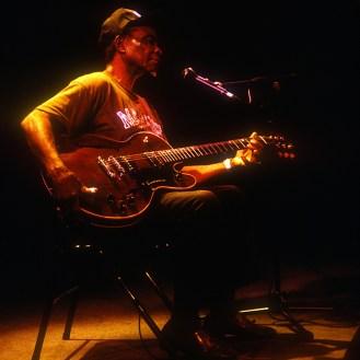 """""""Honeyboy"""" Edwards en concert à Paris"""