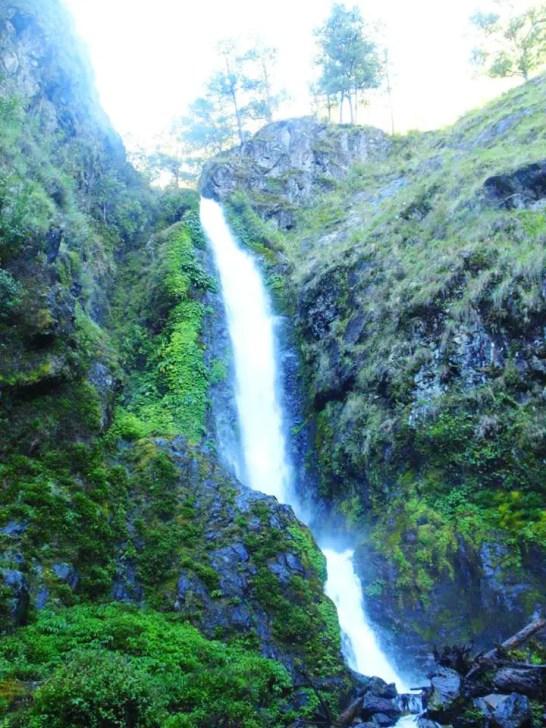 Humuyyo falls of Talubin, Bontoc.
