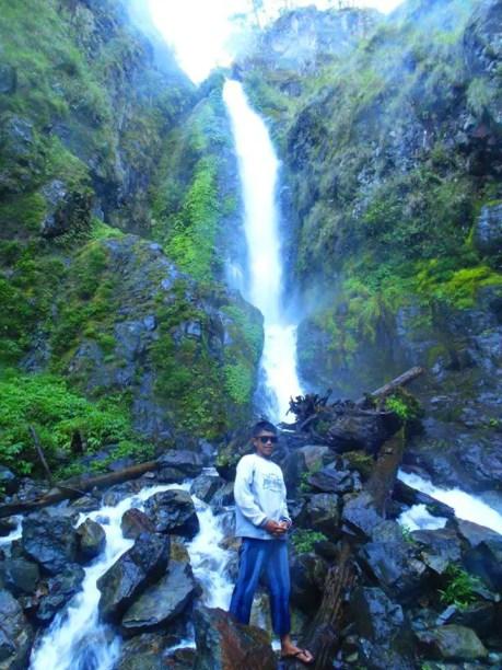 Posing at Humuyyo Falls, Talubin, Bontoc.