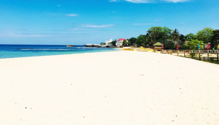 Patar Beach is one of the must-see tourist spots in Northern Luzon.