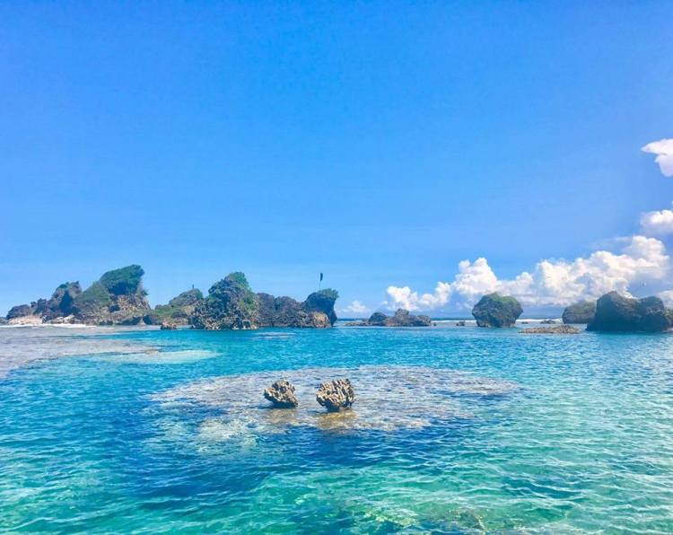 Apiton Island is one of the tourist spots in Eastern Samar.