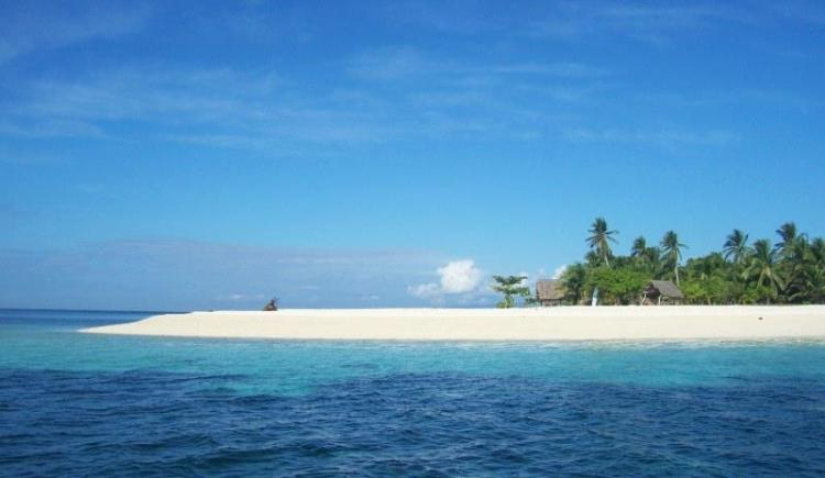 Cuatro Islas is one of the most pristine of Leyte tourist spots.