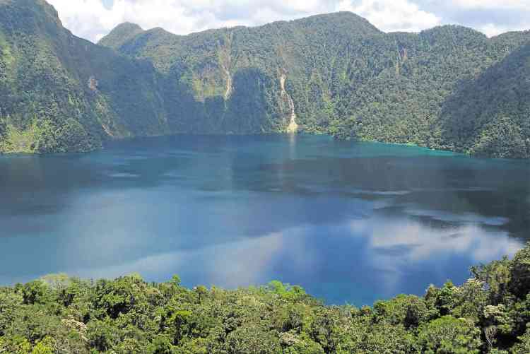 Lake Holon is one of the best South Cotabato tourist spots