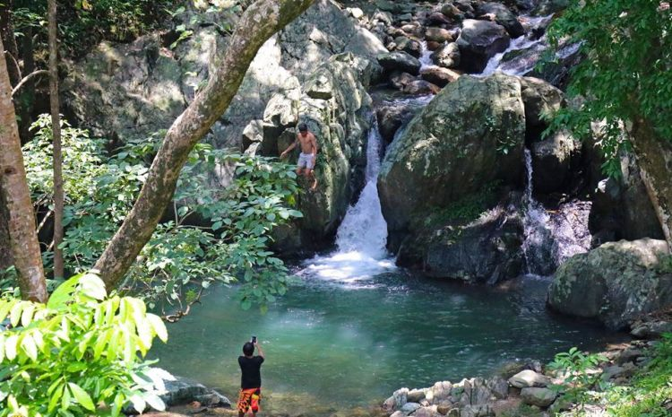 Agnaga Falls is one of the best Aklan tourist spots