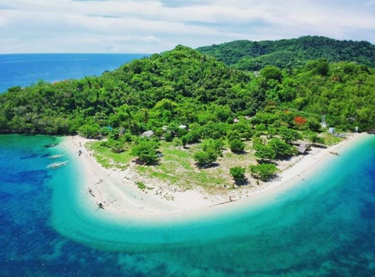 Olotayan Island is one of the best Capiz tourist spot
