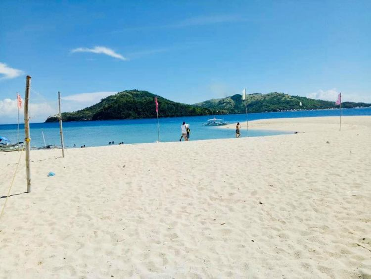 Agho Island is one of the best Iloilo tourist spot