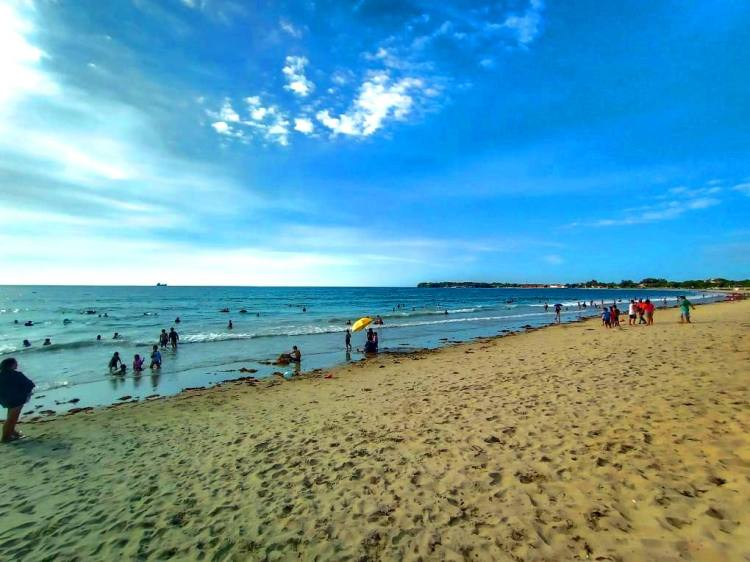 Acapulco Beach is a public La Union Beach and one of the famous tourist spots in La Union.