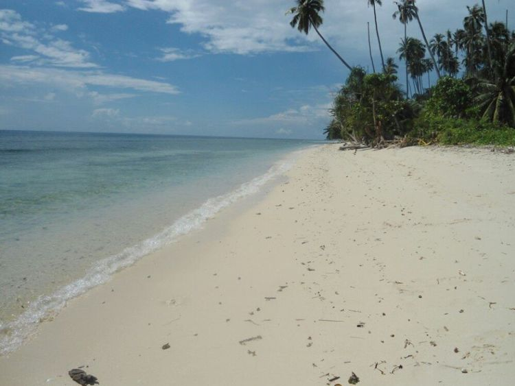 Tahing Tahing Beach is one of Tawi Tawi tourist spots.