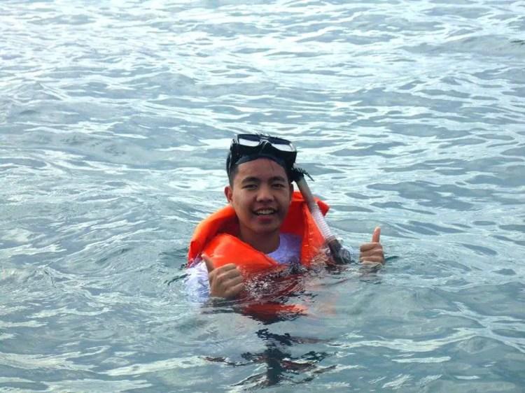 Snorkeling at Honda Bay Palawan