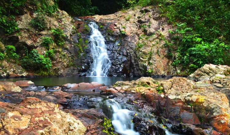 Kawa-kawa falls is one of the best tourist spots/attractions/destinations in Marinduque