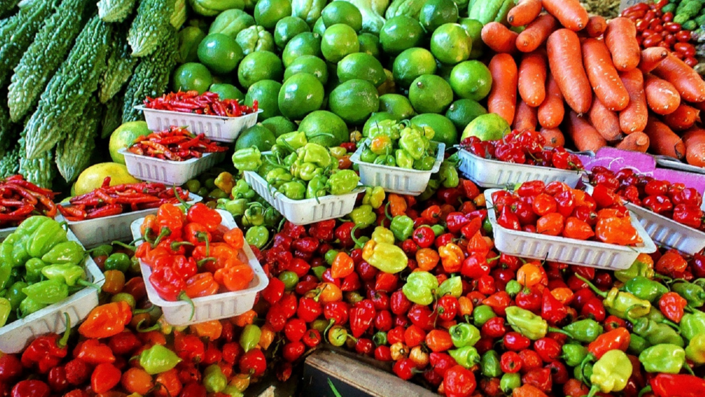 Image provides examples of vegetables found at the farmers market.
