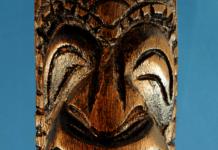 Tiki statue keepsakes at the marketplace