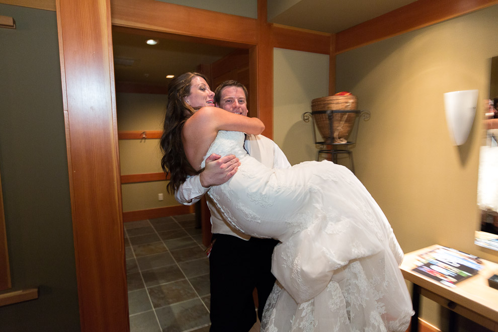 Wedding Photographer in Woodinville at a Willows Lodge Wedding
