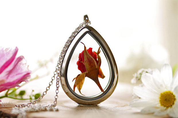 Kay Bells jewellery containing real flowers